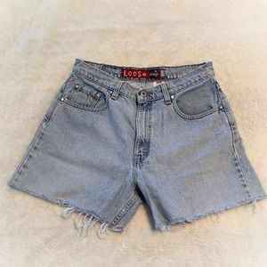 Vintage silverTab LEVI's Cut Off Denim Shorts.